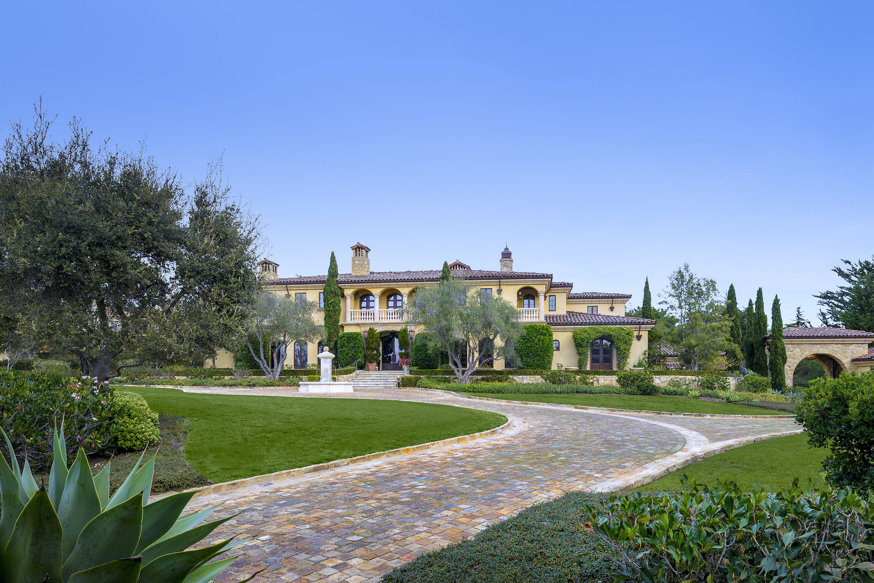 Premier Mediterranean-style Ennisbrook Estate for sale